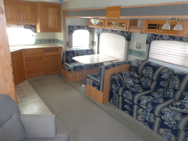 Pre Owned Fifth Wheel Campers in the Yadkin Valley.