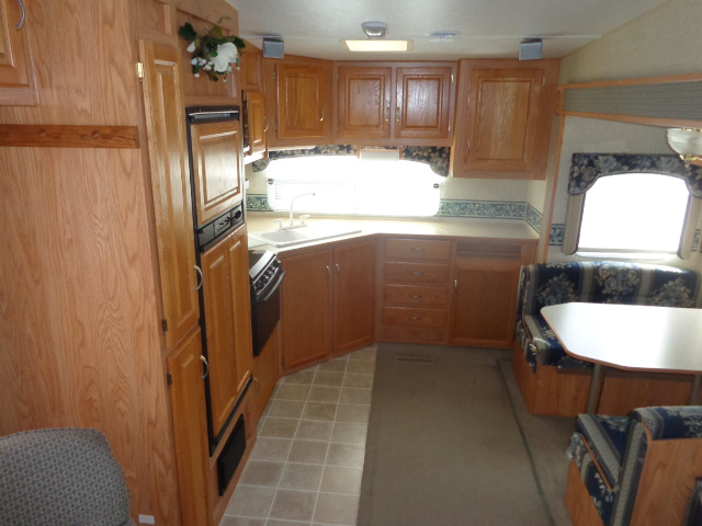 Pre Owned Fifth Wheel Campers within driving distance of Elkin, NC.