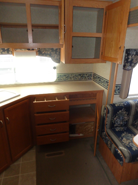 Pre Owned 5th Wheel Camper within driving distance of Lenoir, NC.