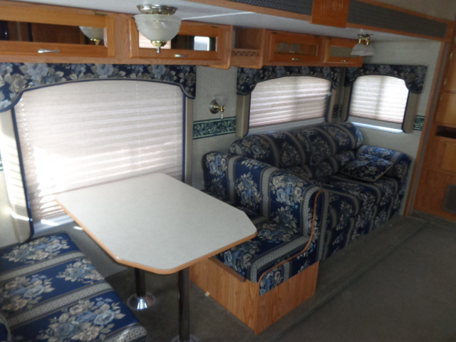 Pre Owned 5th Wheel Camper within driving distance of Mooresville, NC.