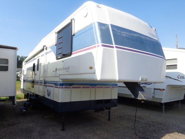 Camper Dealer of Fifth Wheel Campers near North Wilkesboro, NC.