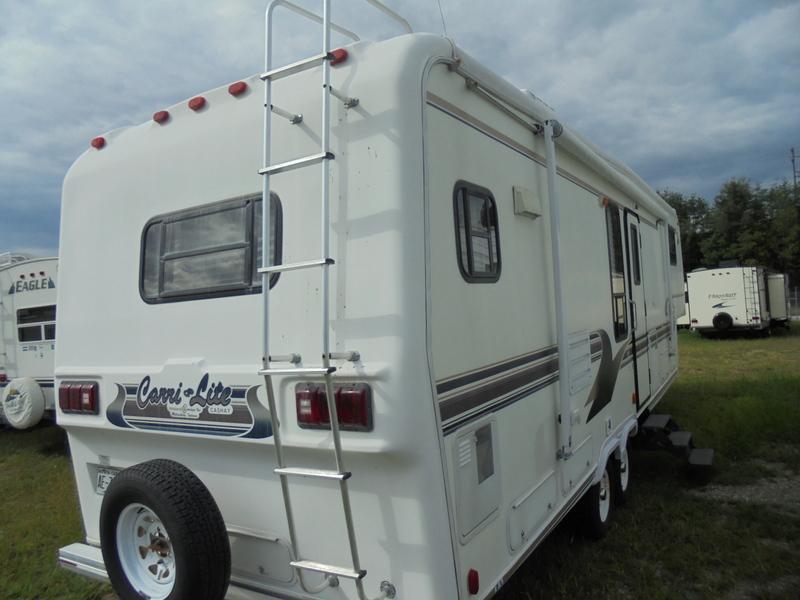Camper Dealer of Fifth Wheel Campers near Appalachian State University.