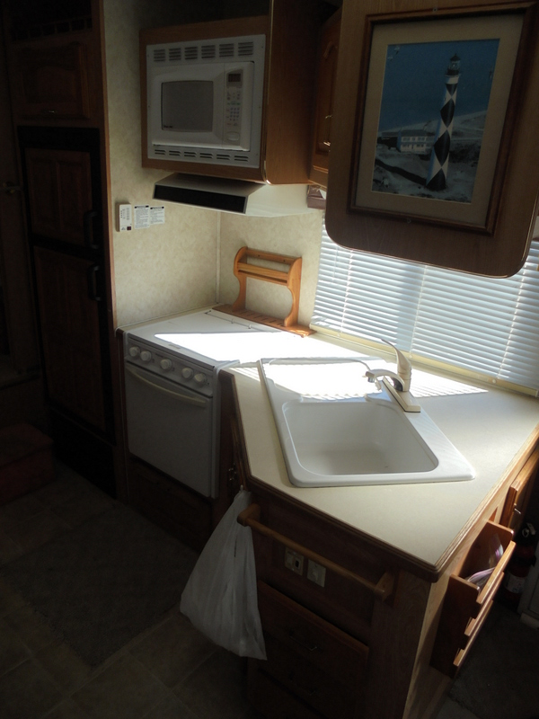 Pre Owned 5th Wheel Camper within driving distance of Morgantown, NC.