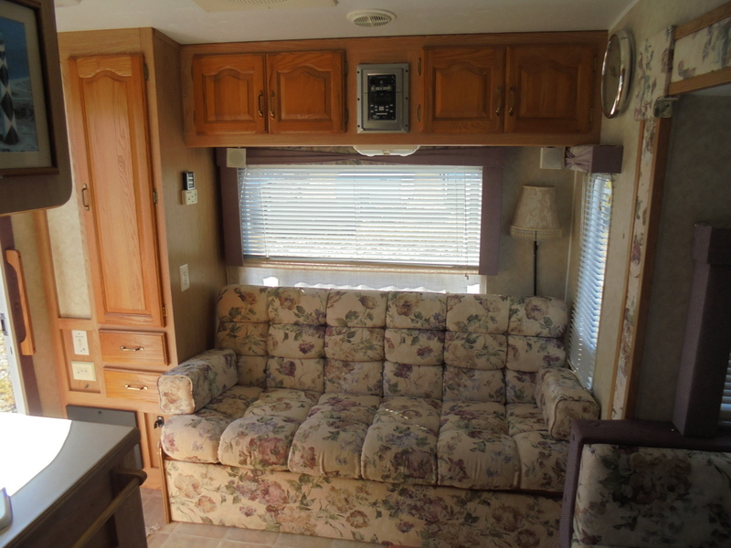 Pre Owned 5th Wheel Camper near Sparta NC.