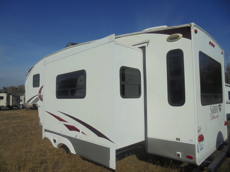 Camper Dealer of 5th Wheel Camper near Sparta NC.
