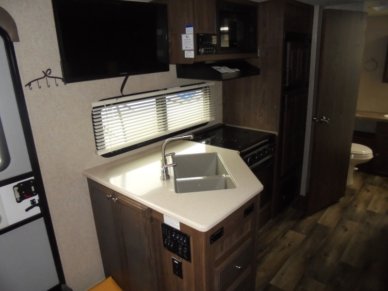 Pre Owned Camping Trailers within driving distance of Charlotte, NC.