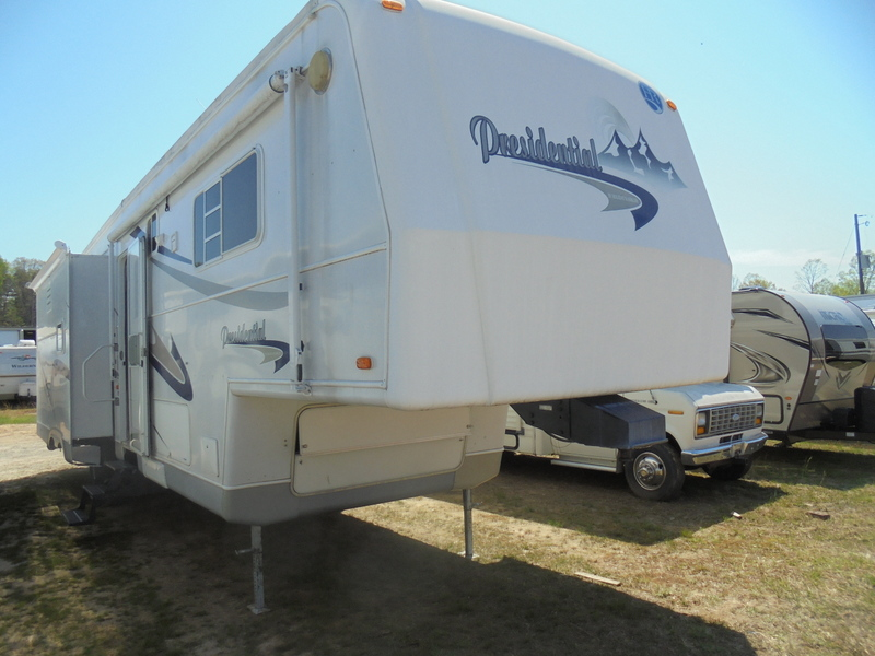Camper Dealer of 5th Wheel Camper in North Carolina.