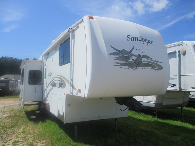 Camper Dealer of Fifth Wheel Campers near Wilkesboro, NC.