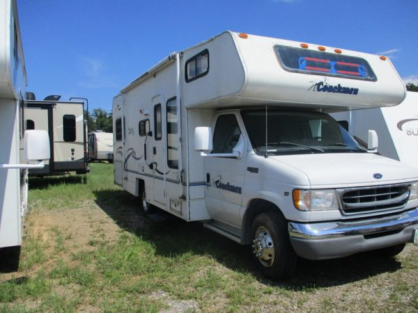 2001 Coachmen 240WB - Robert Handy Camping Center