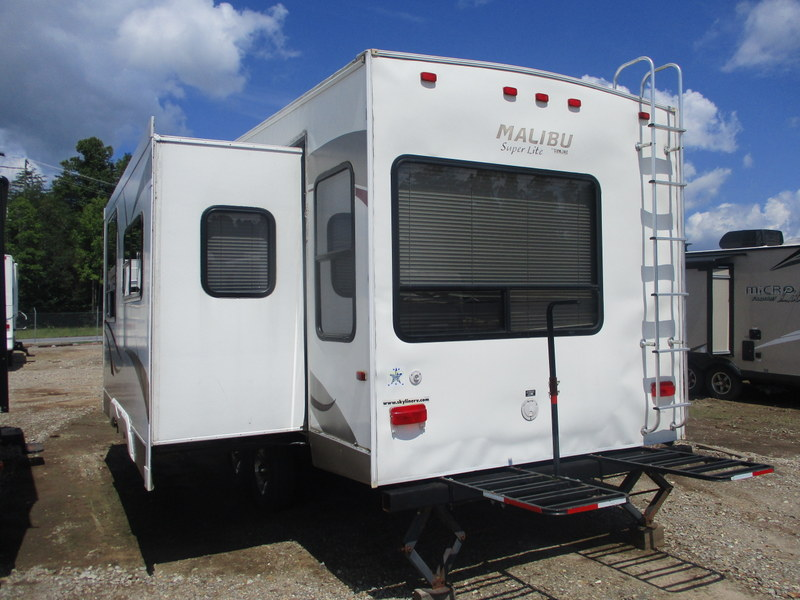 Camper Dealer of Fifth Wheel Campers within driving distance of Statesville, NC.