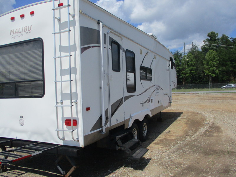 Camper Dealer of Fifth Wheel Campers within driving distance of Morgantown, NC.