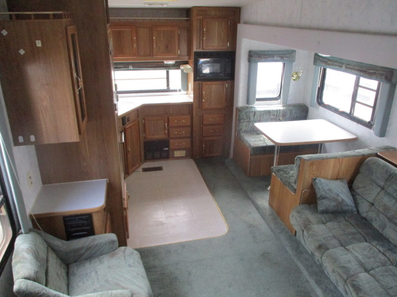 Camper Dealer of 5th Wheel Camper within driving distance of Morgantown, NC.